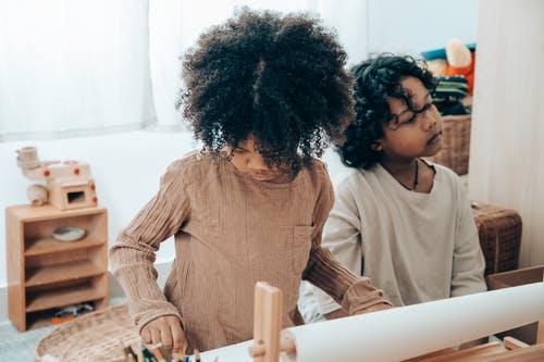 أهمية تعليم الطفل الشجاعة