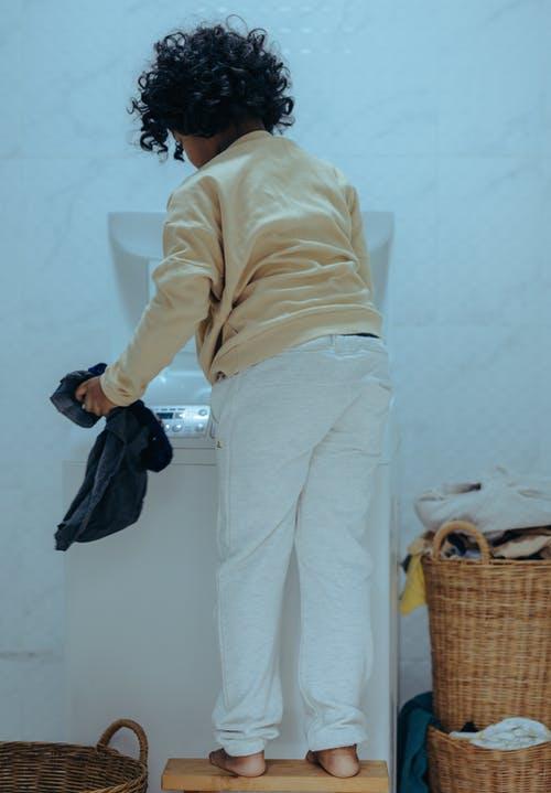 وصفات طبيعية لتنظيف المنزل : منعم الأقمشة