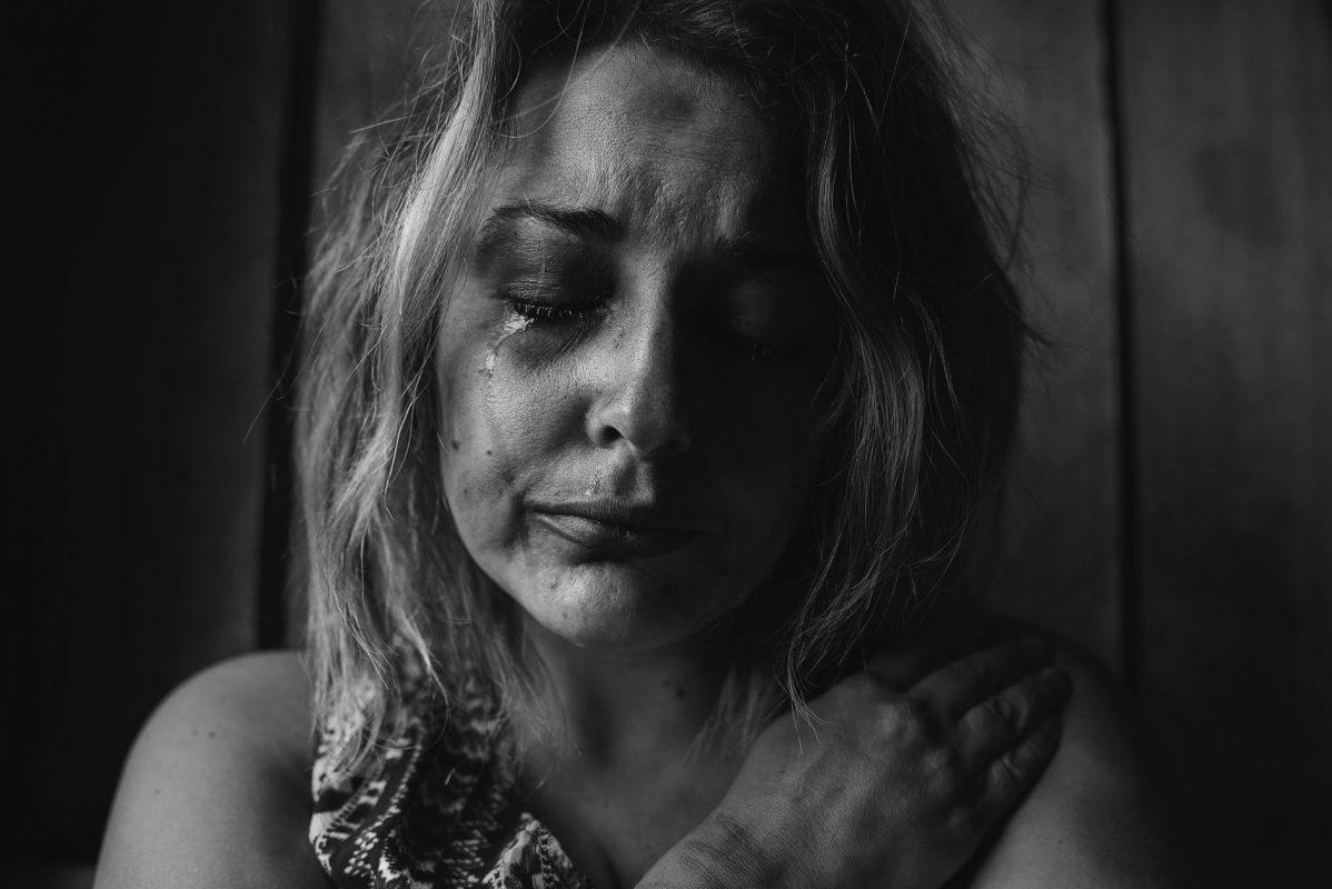 طرق دعم ضحايا التحرش : تقبل أثار الأزمة و الصبر عليها حتى تشفى