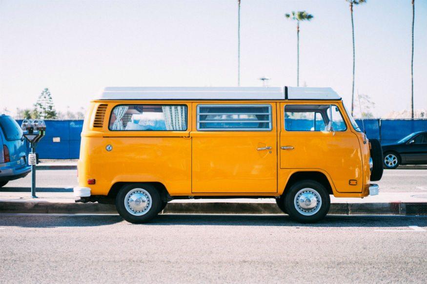 قم بشراء سيارة أثناء رحلة السفر