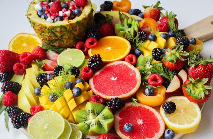 الفاكهة تساعد كثيرا علي تقليل الوزن