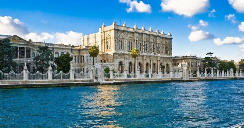 قصر دولما باهتشة من أفضل المناطق السياحية في اسطنبول
