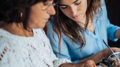 Photo of التعامل مع إبنتك المراهقة : 10 أشياء لابد من القيام بها