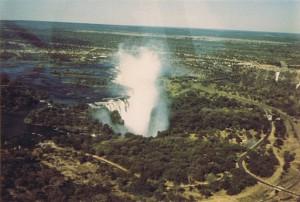 عرض من شلالات فيكتوريا من السماء في عام 1972