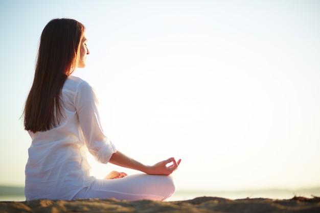 أضف اليوجا إلى روتينك اليومي أثناء أتباع حمية الكيتو